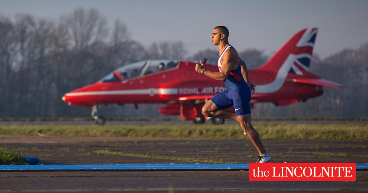 olympic sprinter races red arrows jet for new tv show. Black Bedroom Furniture Sets. Home Design Ideas