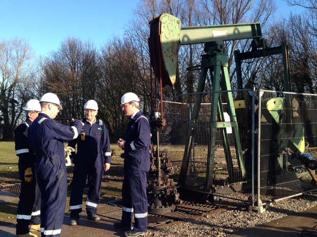 Prime Minister David Cameron at the IGas site at the edge of Gainsborough on January 13, 2014. Photo: @David_Cameron