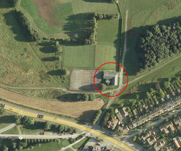 The pavilion next to the tennis courts on the West Common in Lincoln. Map: Google