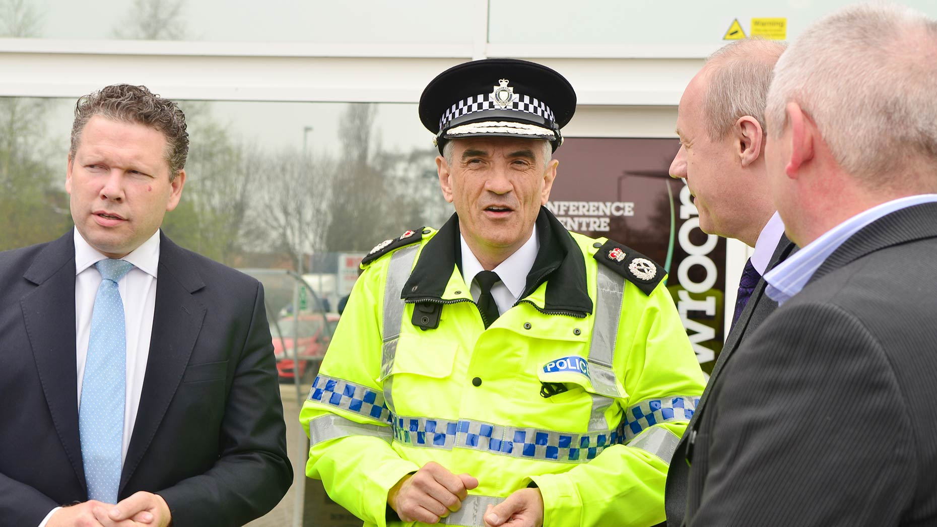 Lincolnshire Police Chief Constable Neil Rhodes speaking with the minister and Lincoln MP. Photo: Steve Smailes for The Lincolnite