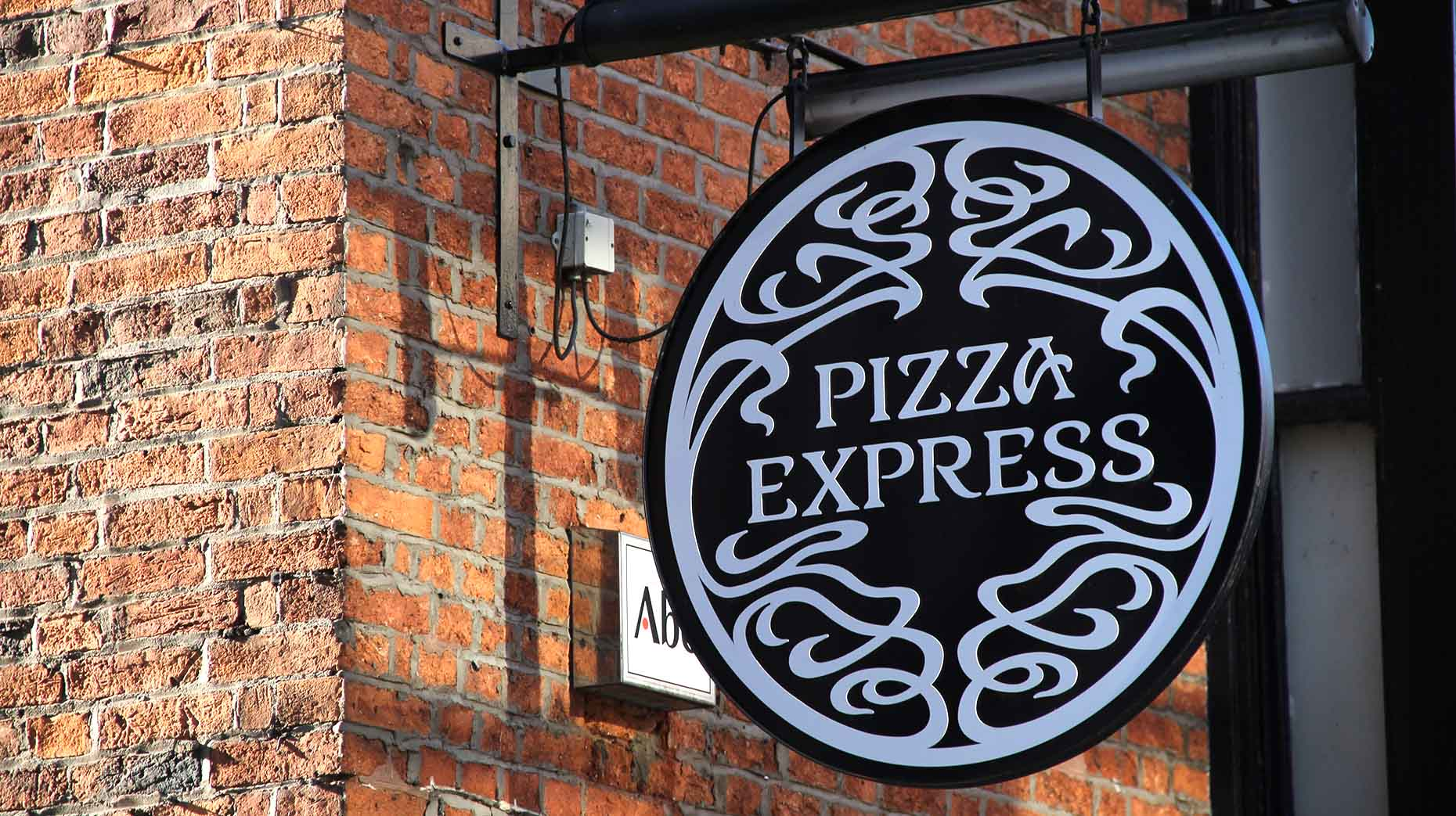Former Lincoln Pizza Express staff claims maternity ...