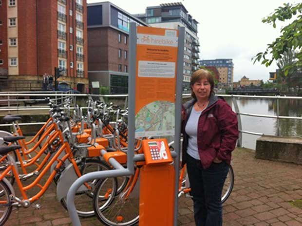 Sheren Roche from the Lincoln Study Centre was the 1000 hirebike user. Photo: LCC