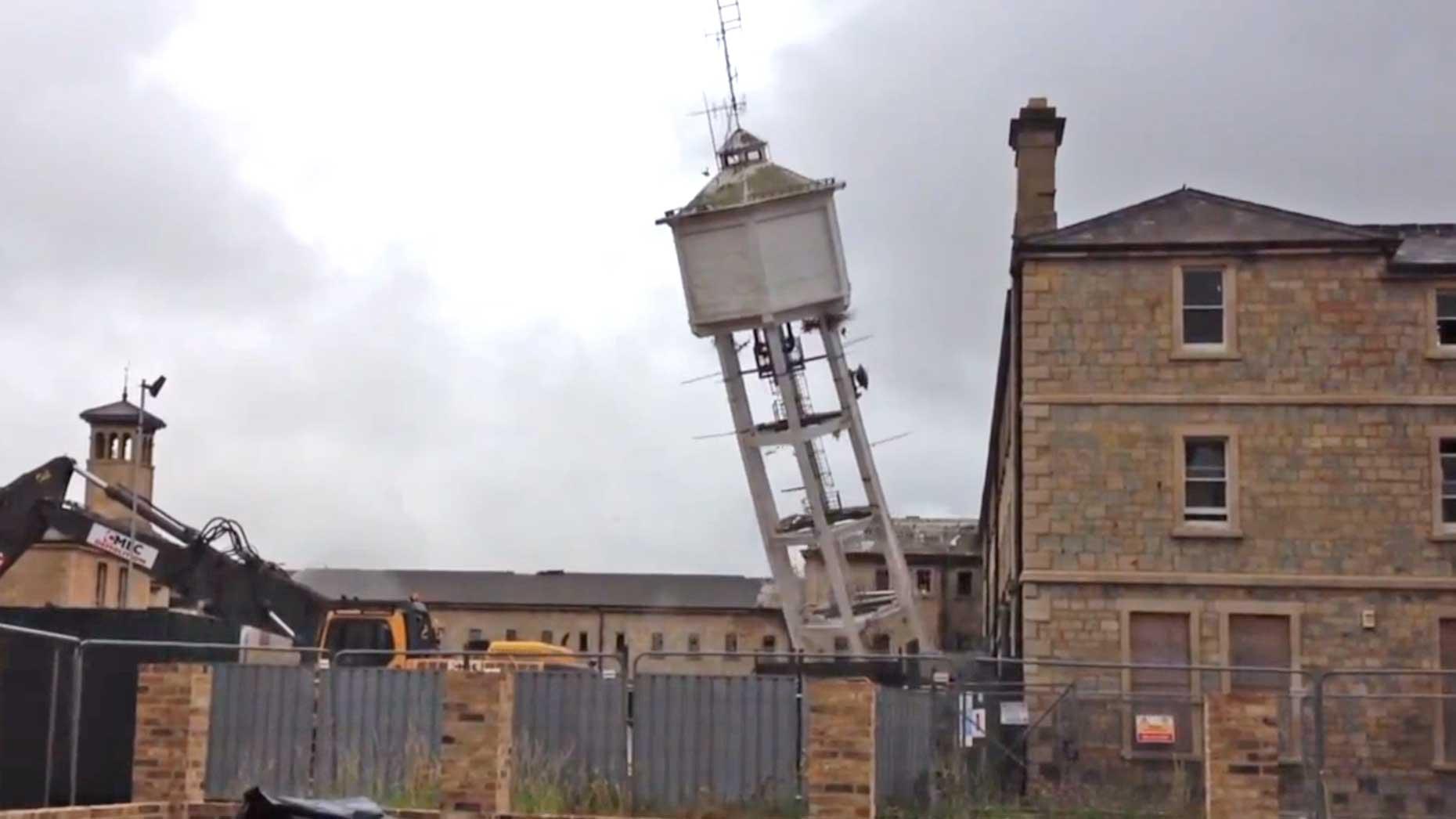 Demolish Water Tower : Watch it go down bracebridge heath water tower demolition