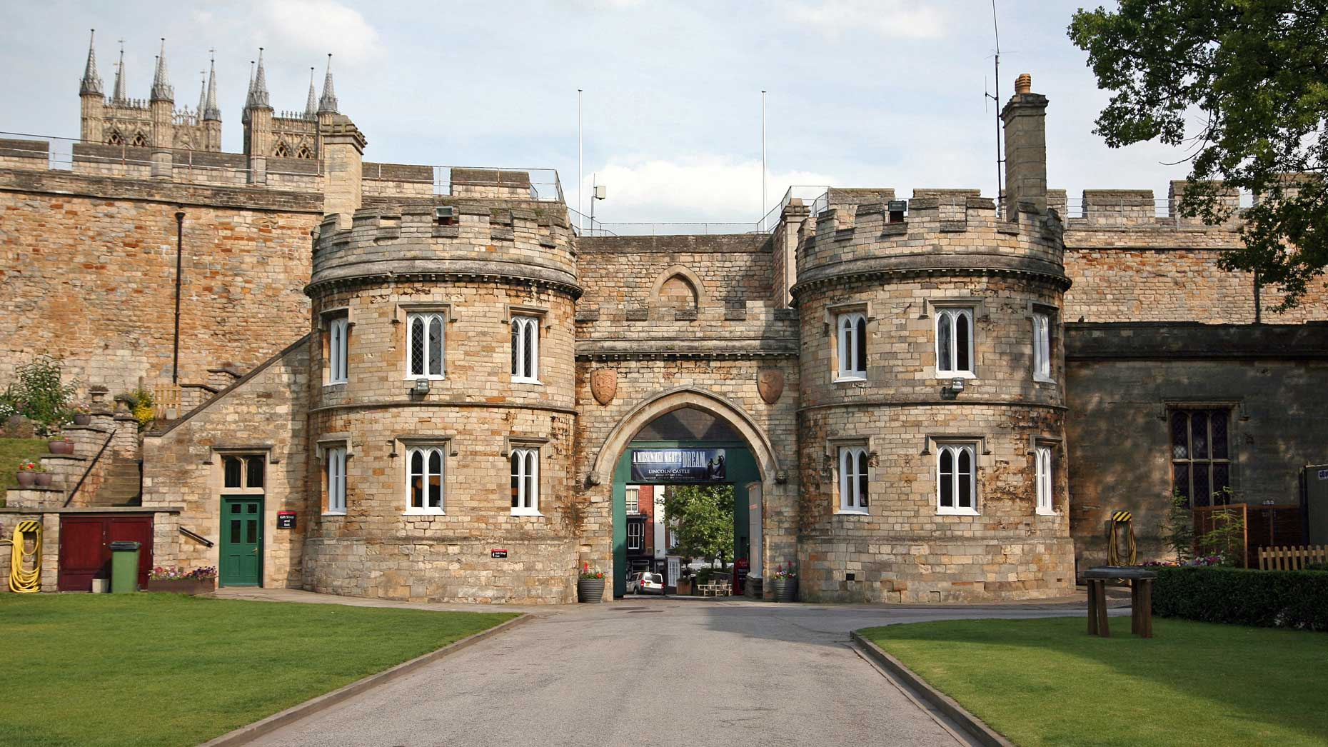 Tourist Park And Ride Solution Planned For Lincoln Castle