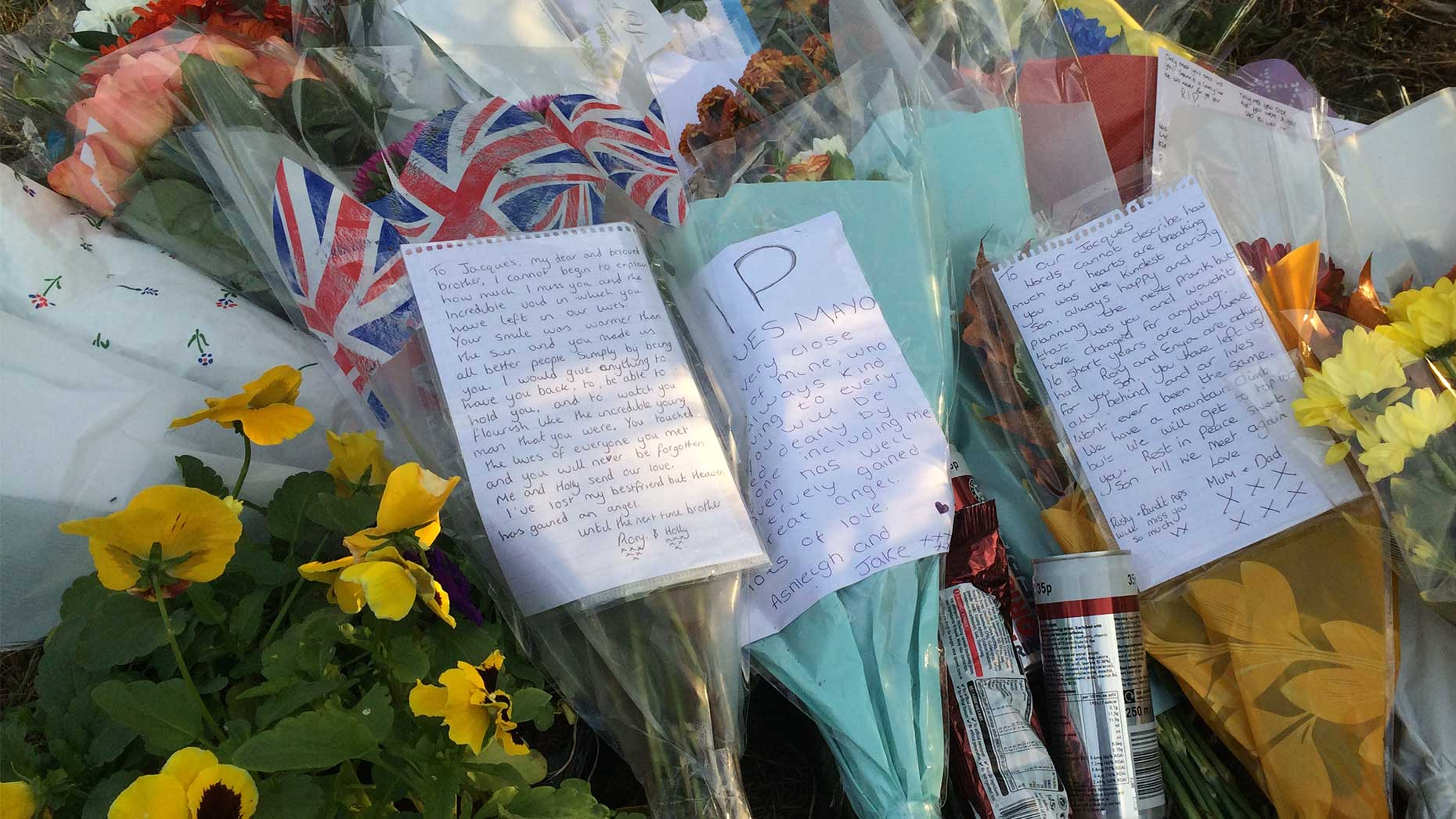 Tributes to Jacques Mayo at the site of the crash