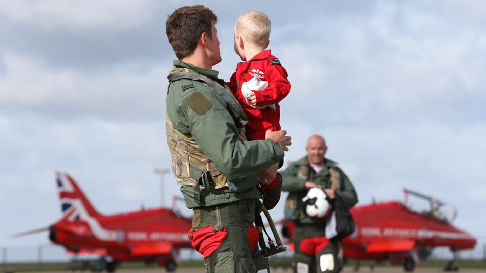 Raf Red Arrows Return Home To Lincolnshire