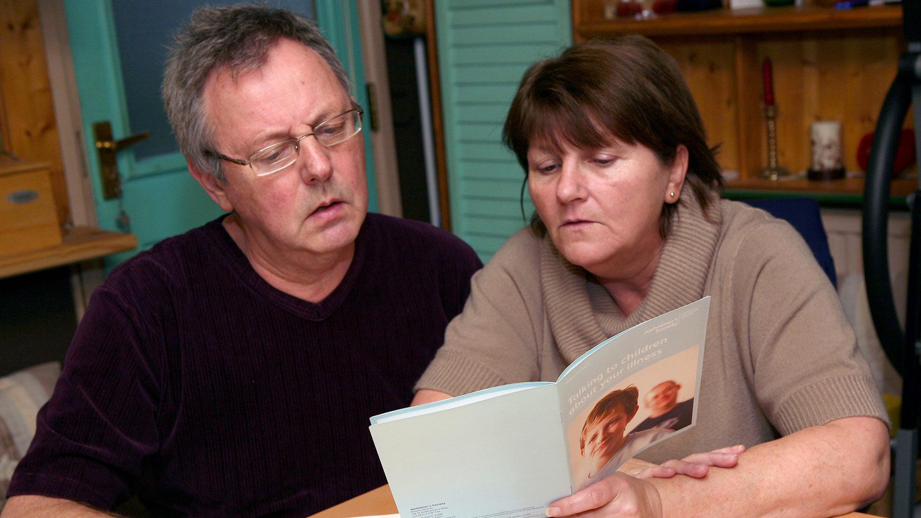 how to help dementia patients swallow