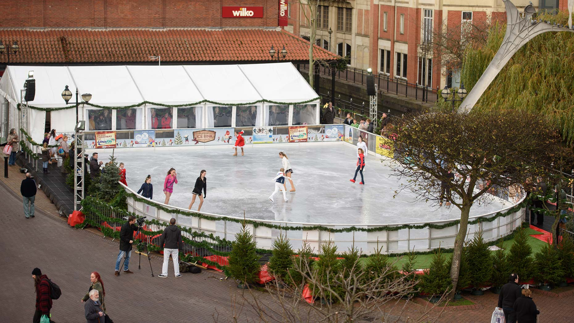 Skates At The Ready Lincoln Ice Rink Prepares For Return