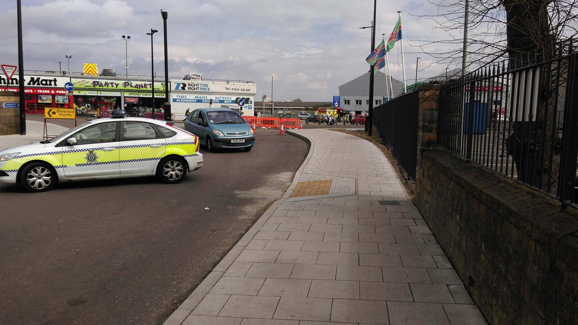 All nearby roads have been closed. Photo: The Lincolnite