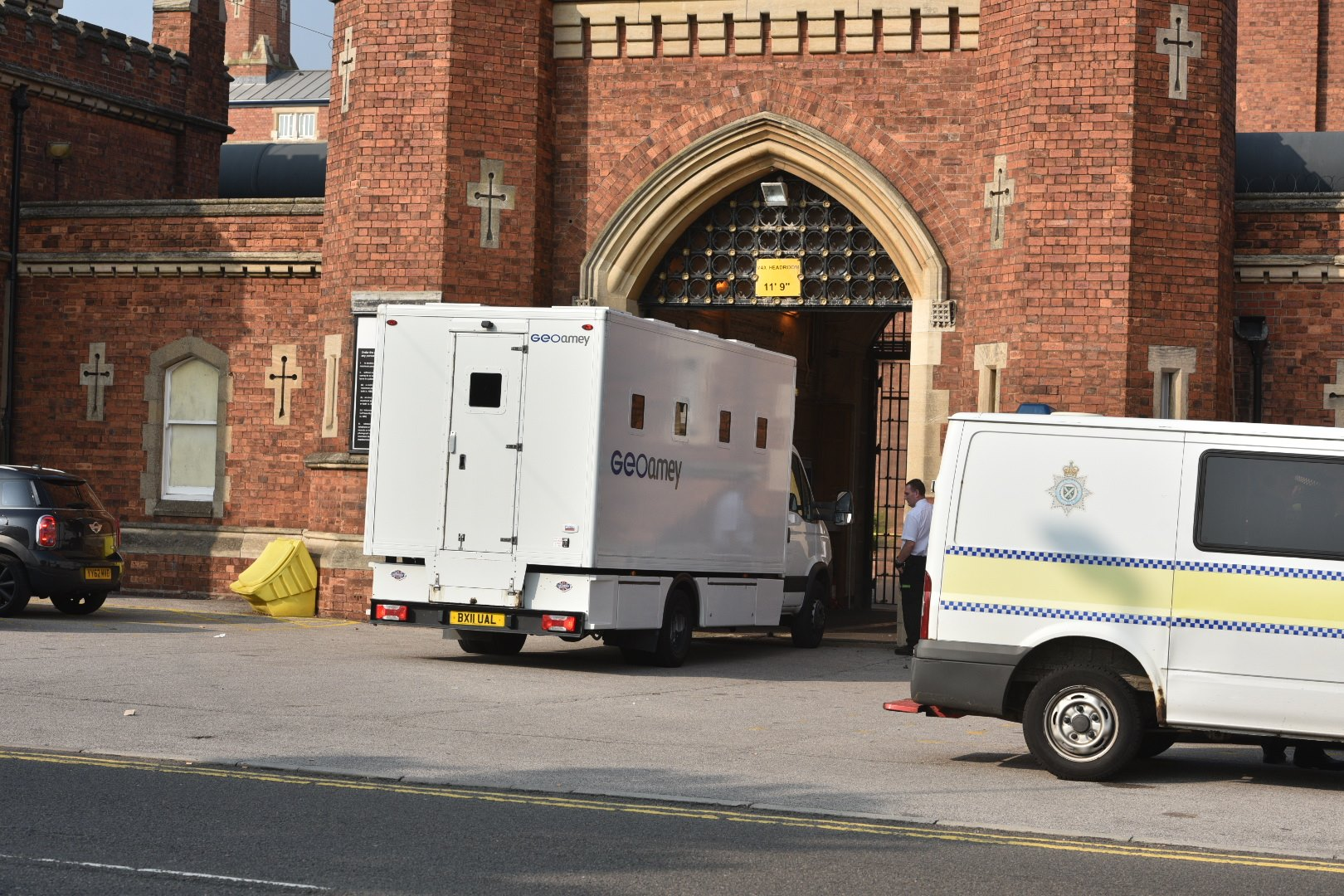 Transportation vans were let into the prison grounds at around 3.30pm. Photo: Steve Smailes for The Lincolnite