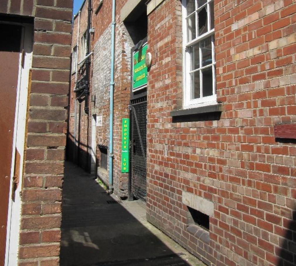 The disused public toilets could be turned into a restaurant.