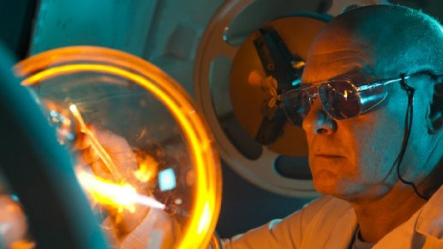 Scientific glassblowing. Photo: Gravity Fields